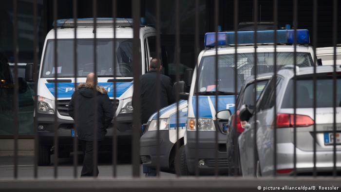 German police take part in November raid on Deutsche Bank offices