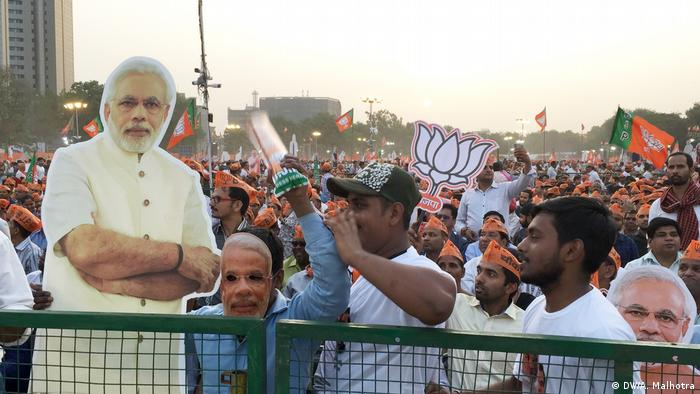 India elections — Narendra Modi′s fandom persists despite