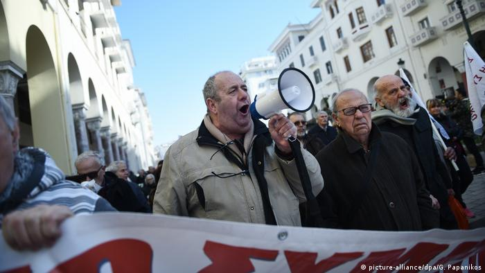 Demonstration gegen Rentenkürzungen im Februar in Thessaloniki