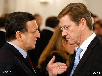 The president of the EU Commission, Jose Manuel Barroso, left, and German Foreign Minister Guido Westerwelle