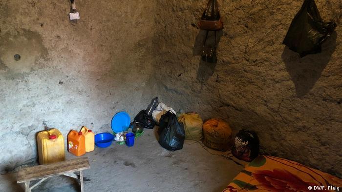 Canto de quarto em cabana de barro na Etiópia
