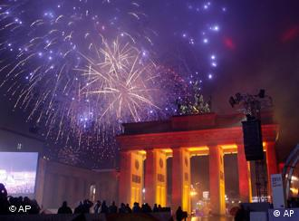 Fireworks during unity celebrations at the Brandenburg Gate