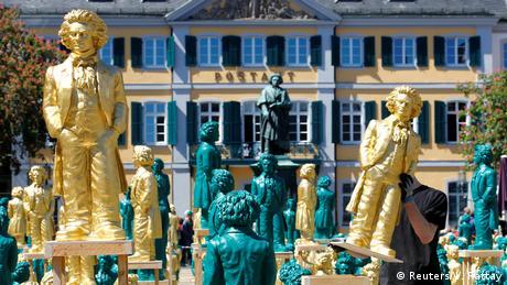 BdTD Deutschland | Beethoven-Installation in Bonn (Reuters/W. Rattay)