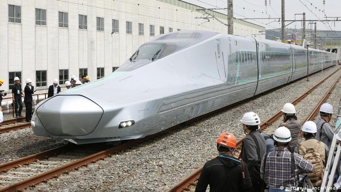 Japan Prototyp neuer Shinkansen-Hochgeschwindigkeitszug
