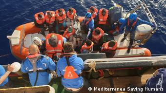 Mediterranea Saving Humans rettet Menschen in Seenot