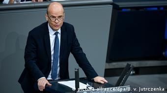 Ραλφ Μπρινκχάους: Η ΑΚΚ θα είναι υποψήφια καγκελάριος