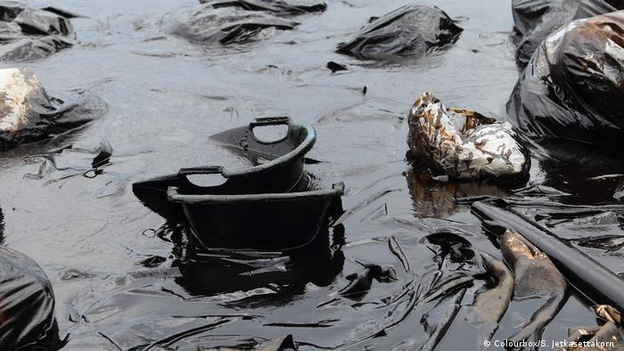 Wasserverschmutzung mit Öl (Foto: Colourbox/S. Jetkasettakorn )