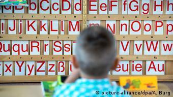 Deutschland Dresden Einschulungstest (picture-alliance/dpa/A. Burg)