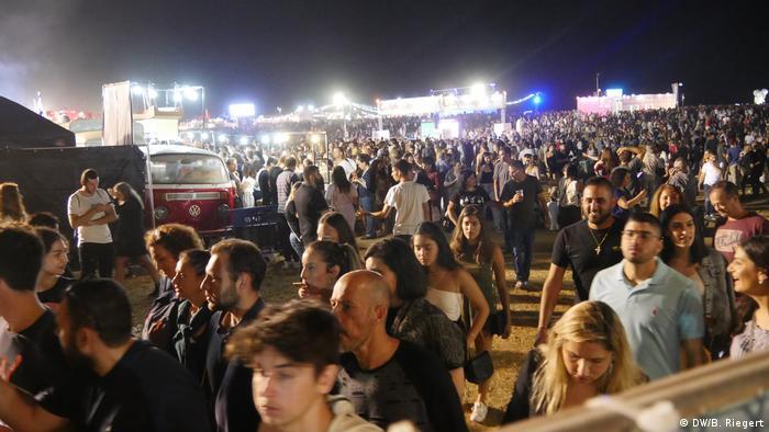 Eurovision Song Contest 2019 | Menschenmassen im ESC Village am Strand von Tel Aviv