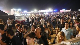 Fiesta, arena y mar en Tel Aviv.