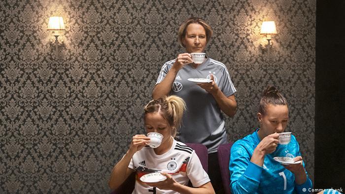 Commerzbank Werbung Frauen Fußballnationalmannschaft