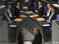 Kancelarka Angela Merkel predstavila je u Bundestagu buduću politiku nove vlade