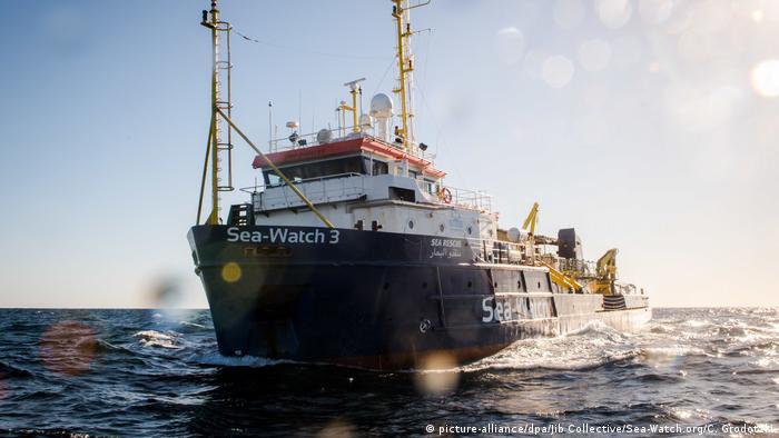 Mittelmeer Salvini droht Sea-Watch