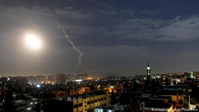 Protuzračna obrana nad Damaskom u akciji izraelskih borbenih zrakoplova