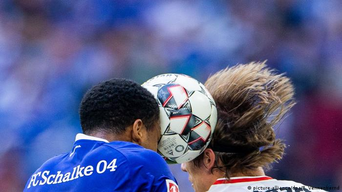 Fußball | Bundesliga 34. Spieltag | FC Schalke 04 v VfB Stuttgart (picture-alliance/dpa/R. Vennenbernd)