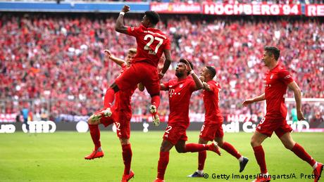David Alaba celebrating on the final day of the 2018-19 season (Getty Images/Bongarts/A. Pretty)