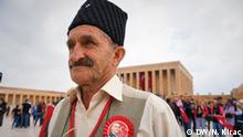 Türkei Menschen besuchen Anitkabir in Ankara