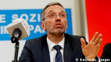 20.05.2019 +++ Interior Minister Herbert Kickl attends a news conference in Vienna, Austria, May 20, 2019. REUTERS/Leonhard Foeger