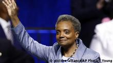 USA Chicago Vereidigung der neuen Bürgermeisterin Lori Lightfoot (picture-alliance/AP Photo/J. Young)