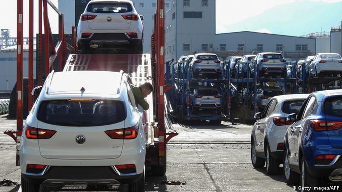 China fabrikneue Autos vor Verkauf (Getty Images/AFP)