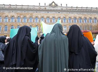 Iz za muslimanke brak bosne Devojke za