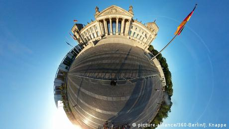 Panorama: Reichstag (picture-alliance/360-Berlin/J. Knappe)