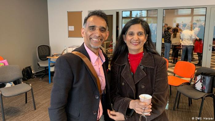 Ärzte aus Polen in UK: Raj Patel and Hina Trivedi (DW/J. Harper)