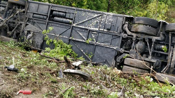 На месте аварии автобуса в Италии