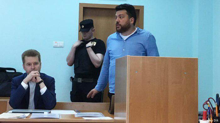 Der russische Oppositionelle Leonid Volkov im Gerichtssaal in Moskau (Sergey Dik)