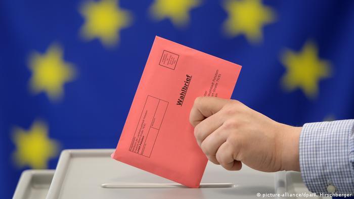Deutschland | Europawahlen 2014 (picture-alliance/dpa/R. Hirschberger)