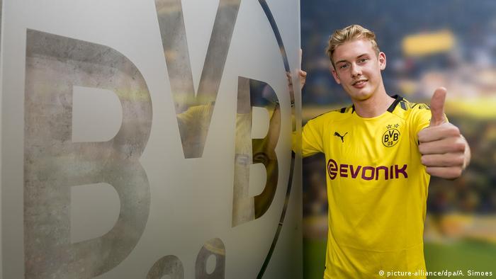 Fußball Bundesliga Borussia Dortmund Neuzugang Julian Brandt (picture-alliance/dpa/A. Simoes)