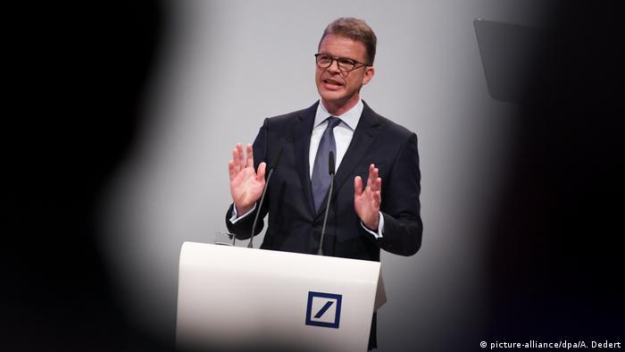 Deutschland Hauptversammlung Deutsche Bank in Frankfurt (picture-alliance/dpa/A. Dedert)
