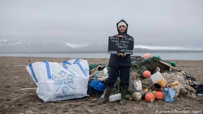 Greenpeace sammelt Plastikmüll in der Arktis