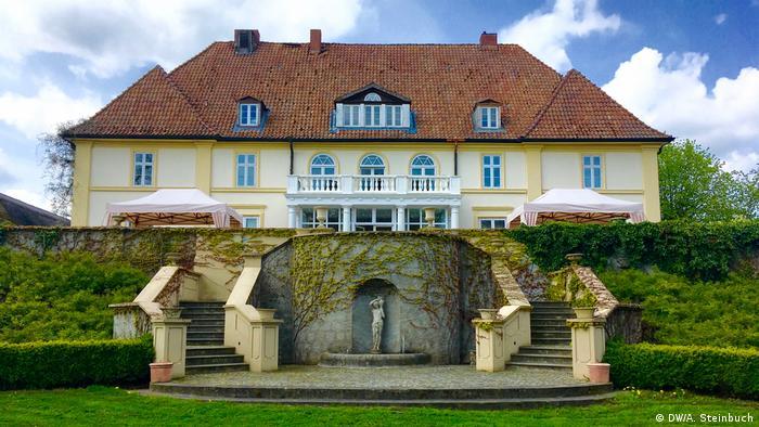 Deutschland Herrenhäuser in Mecklenburg-Vorpommern Gut Klein Nienhagen
