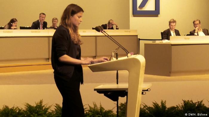 Klima-Aktivistin Luisa Neubauer auf der Hauptversammlung der Deutschen Bank in Frankfurt