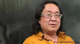 Der Autor und Dokumentarfilmer Zhou Qing aus China