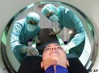 کمپیوٹر ٹوموگرافی کے ذریعے انسانی جسم کا مفصل ایکسرے کیا جا سکتا ہے