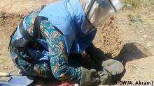 Afghanistan Provinz Bamiyan | Frauen arbeiten als Minenräumer