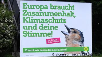 Οι Πράσινοι κερδίζουν ψήφους και με... πουλία