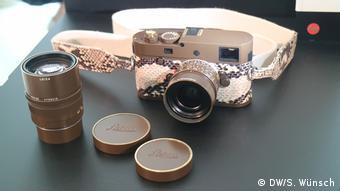 Fotoausstellung Lenny Kravitz - Drifter, Hier die Sonderedition der Leica M mit zwei Objektiven
