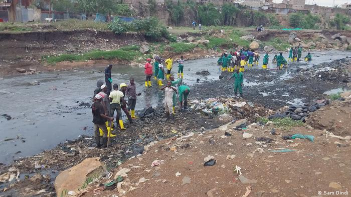 Nairobi River cleanup by Komb green solutions in Korogocho