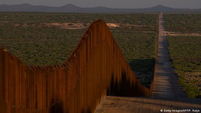 ABD ve Meksika sınırına örülen duvar