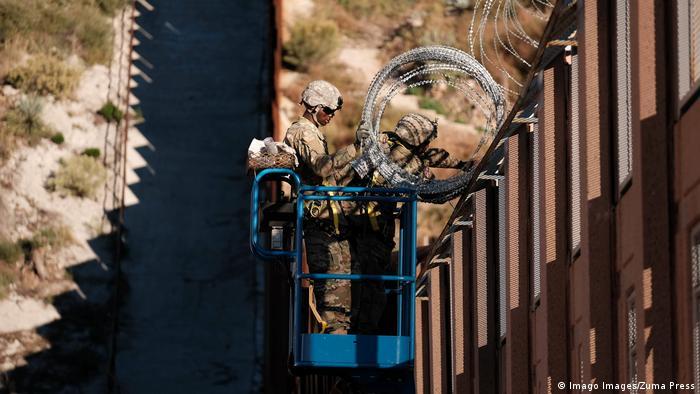 نصب دیوار مرزی بین آمریکا و مکزیک