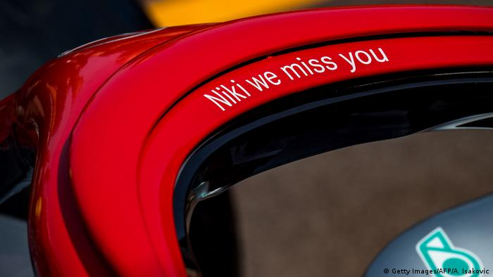 The car of Mercedes' Finnish driver Valtteri Bottas with a red halo and the lettering 'Niki we miss you' in tribute to late F1 legend Niki Lauda is pictured during an autograph session at the Monaco street circuit on May 24, 2019 in Monaco, ahead of the Monaco Formula 1 Grand Prix. (Getty Images/AFP/A. Isakovic)