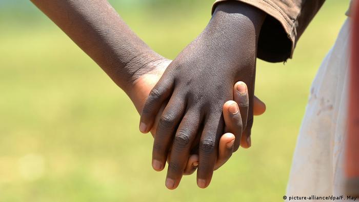 Afrika Symbolbild Sterbebegleitung Palliativmedizin Hospiz
