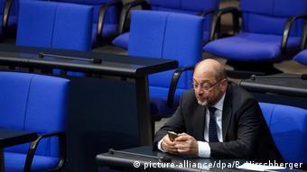 Deutschland Bundestag Martin Schulz (picture-alliance/dpa/R. Hirschberger)