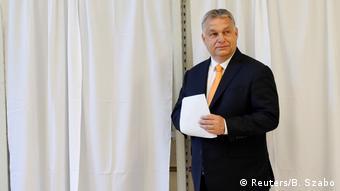 Премьер Венгрии Виктор Орбан на выборах в Европарламент, 26 мая 2019 года