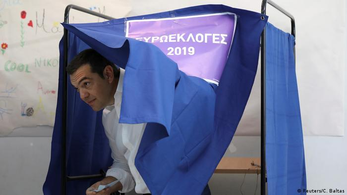 Europawahl l Griechenland Parlamentswahl - Premierminister Tsipras gibt seine Stimme ab