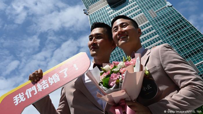 Taiwan Gleichberechtigung l Erste gleichgeschlechtliche Ehen (Getty Images/AFP/S. Yeh)