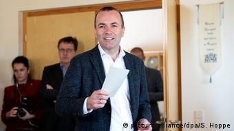 Kάποιοι δεν επιθυμούν τον Βέμπερ για πρόεδρο της Κομισιόν άλλοι πάλι διαφωνούν με τον ίδιο τον θεσμό του Spitzenkandidat